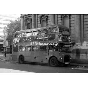 Sovereign RM324 at Aldwych