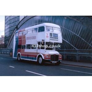 Magicbus 858 DYE at Glasgow