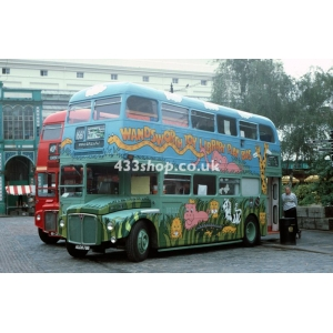 Wandsworth Playbus ALD 879B at Covent Garden