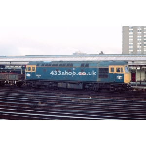 33052 at Clapham Junction