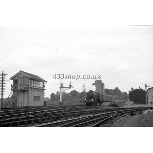Audley End SB (train passing)