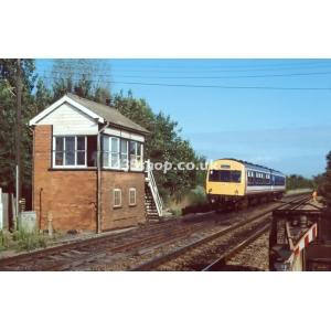 Appleford Crossing SB (L224 passing)