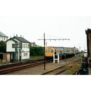 Towyn SB (M56352 passing)